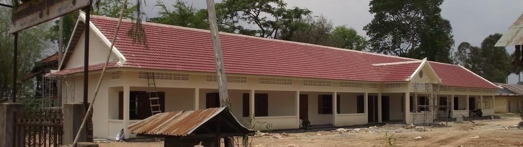 1409Angkorsor school, het voltooide gebouw (2)